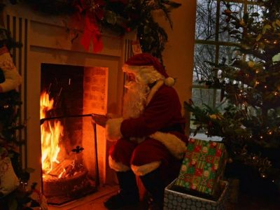 Father Christmas Hestercombe Taunton Somerset web