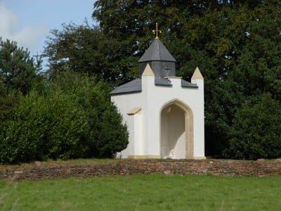 Gothic alcove